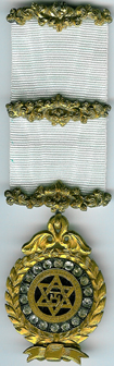 TH604b The Royal Arch member's jewel with brilliants.-0