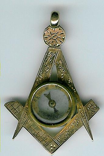 Boer War 9 ct. Gold Masonic Compass hallmarked 1900.-0