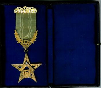 Australia 9ct gold and real diamond Werribee Lodge No. 187 PM je-0