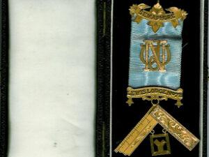 Australia 9ct Gold Past Masters jewel Semaphore Lewis Lodge No. 78-0
