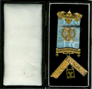 Australia 9ct Gold Past Masters jewel Semaphore Lewis Lodge No. 78-0