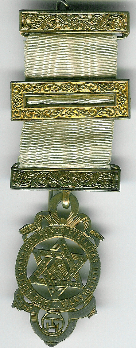 TH609a Royal Arch silver Member's Jewel-0