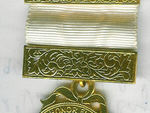 TH608 (1) Attractive Royal Arch Companion's jewel with extra large hanger medium size -0