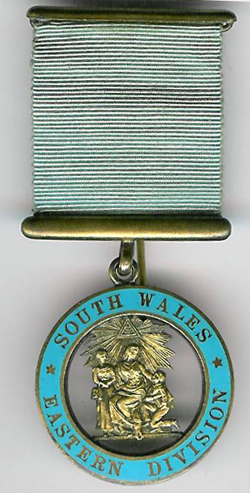 TH345a 1927 The Province of South Wales Eastern Division Charity Jewel.-0