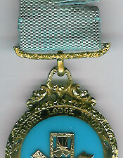 TH453-1000 Priory Lodge No. 1000 gold Past Masters jewel.-0