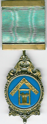 TH453-0943 Lodge of Sincerity No. 943 gold Past Masters jewel.-0