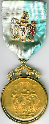 TH332d 1913 Cheshire watchcase charity jewel with Life Governor's badge on ribbon-0