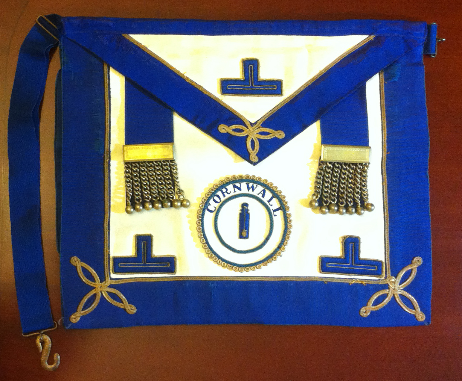 Past Provincial Grand Lodge of Cornwall Junior Deacon's Lambskin Apron By Toye & Co.-0