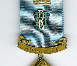 Australia Hore-Ruthven Lodge No. 155 S,A.C. 9ct. gold Past Masters jewel-0