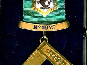 TH455-1675 Antient Briton Lodge No. 1675 18ct gold Past Master's jewel.-0