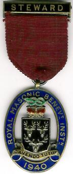 TH281 Royal Masonic Benevolent Institution 1940 Stewards jewel.-0