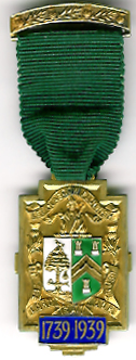 TH244b The 1739-1939 Bi-Centenary of the Provincial Grand Lodge of Glasgow 9ct gold jewel.-0