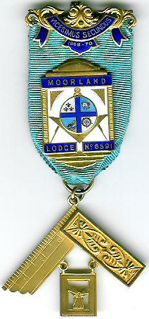 TH455-6591 Moorland Lodge No. 6591 silver Past Master's jewel-0