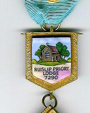 TH455-7290 Ruislip Priory Lodge No. 7290 silver Past Master's jewel-0